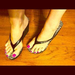 Bebe Platform Flip Flops 💋👠❤️